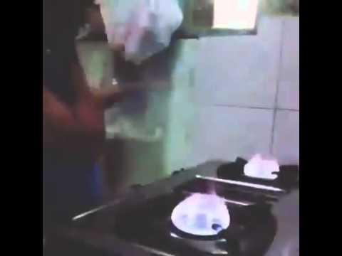 Sweet DJ skills [00:15]