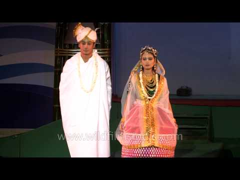 Video Halley Laithangbam in Manipuri Hindu marriage costume download in MP3, 3GP, MP4, WEBM, AVI, FLV January 2017