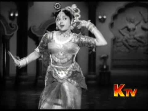 classical movie - Finally, here's a high quality video of Kannum Kannum Kalandu from Vanjikkootai Vaaliban which was taken from a Tamil TV. broadcast. Enjoy Padmini and Vyjaya...