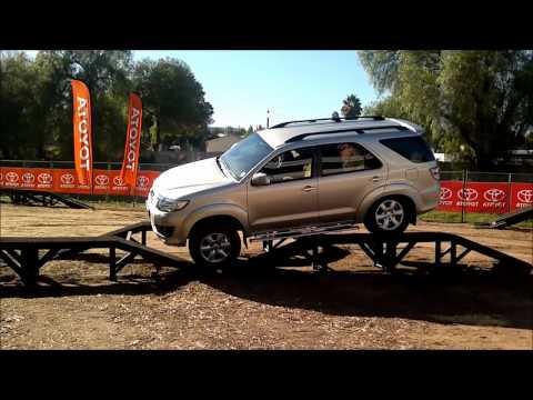 Toyota Fortuner 2012 4×4 capability demonstration