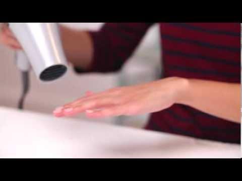 VIDEO! Urăști să aștepți să ți se usuce oja pe unghii! 2 trucuri SIMPLE pentru uscare RAPIDĂ!