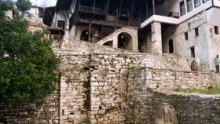 Fustani Me Pika   - Këngë E Vjetër Beratase   - Petrit Berisha