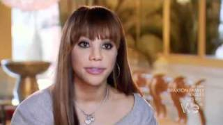 The braxton sisters are at it again, lol at tamar saying somebody is flat