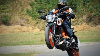 7. 2015 KTM 390 Duke Video Review