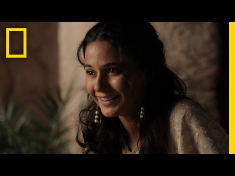 Killing Jesus (Featurette 'Emmanuelle Chriqui on Playing Herodia')