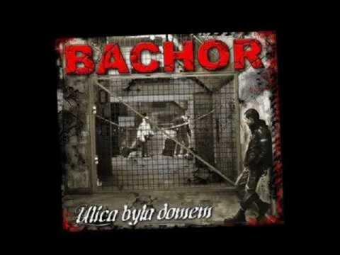 Tekst piosenki Bachor - Ulica była domem po polsku