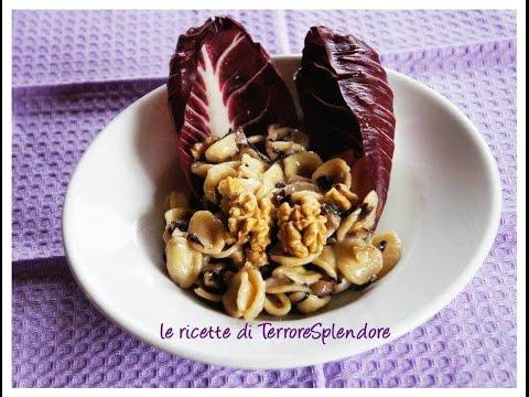 video ricetta: orecchiette con radicchio, guanciale, gorgonzola e noci.