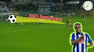 Download Video 5 Tendangan Paling Keras Sepanjang Sejarah Sepakbola MP3 3GP MP4