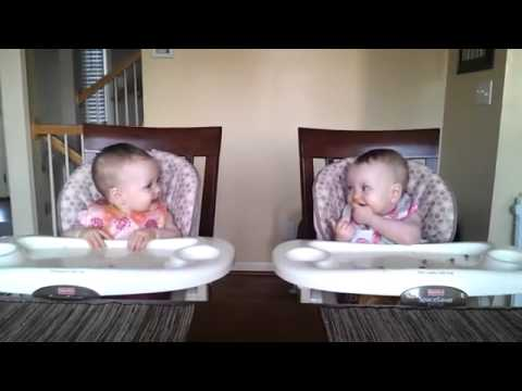 children 11 months dancing to rhythm guitar