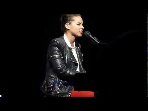 Alicia Keys - Not Even The King @ Beacon Theatre 2012