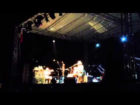 Eugenio Finardi sul palco di Microcosmi