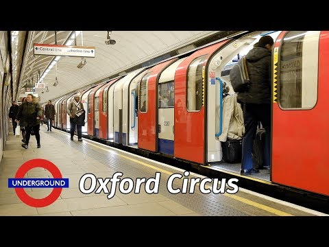 London Underground: Christmas crowds at Oxford Circus station