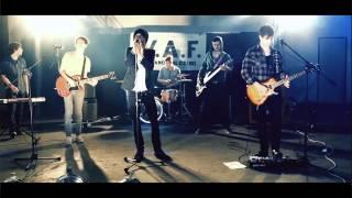 Video W.A.F. - Pouhou vteřinou (oficiální videoklip)