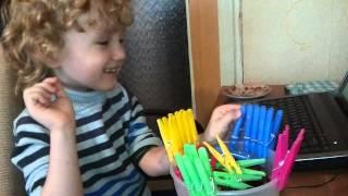 Занятие с аутистом Прищепки и просмотр мультфильма