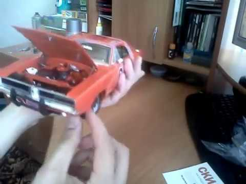 Autoworld 1:18 car model Dodge Charger General Lee replica UNBOXING
