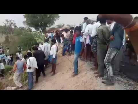 Today bellary to kudligi bus accident in gudekota