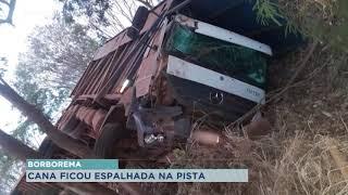 Borborema: carreta com cana-de-açúcar tomba na rodovia Leonidas Pacheco Ferreira