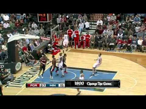 Dante Cunningham dunks on the Timberwolves