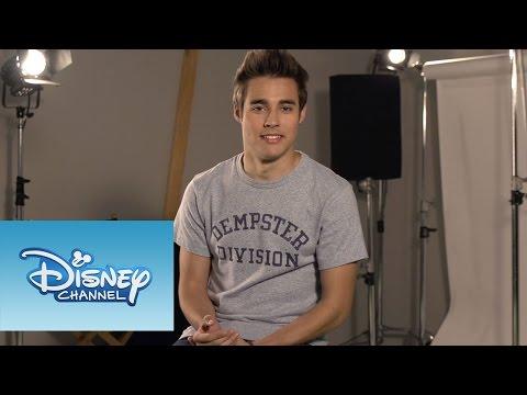 Jorge Blanco - Compartiendo largas horas en el set, los chicos del elenco terminan conociéndose muy bien. ¡Mira! Sitio oficial de Disney Channel: http://www.disneylatino.com/disneychannel/ Síguenos en...