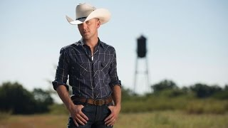 Justin Moore Kinda Doesn't Care About Being Politically Correct [Exclusive]