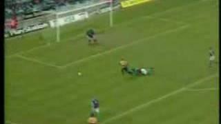 One-Touch-Fußball mit Dennis Bergkamp