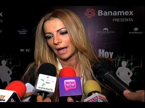 Hd Wallpapers Cecilia Galeano Descuido Ensena Calzones Mar Picture 480 ...