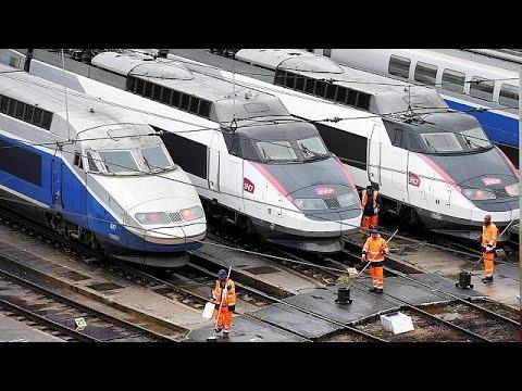 Γαλλία: Ακινητοποιούνται τα τρένα – Χάος στις μεταφορές