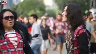 AGENG KIWI Feat ROMAN D MAN - SANTAI AJA (REGGAE)  OFFICIAL VIDEO