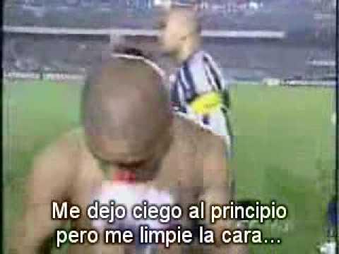 Cuando Chilavert escupio a Roberto Carlos