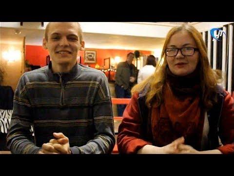 В День голосования молодые новгородцы провели акцию во имя любви