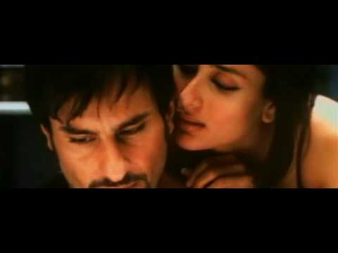Kareena & Saif Kissing  Bed Scene