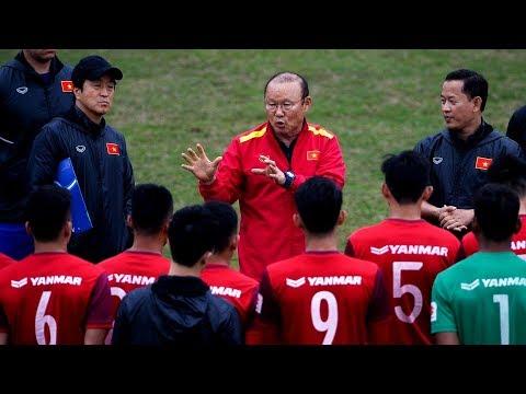 """Chốt danh sách 23 cầu thủ U23 Việt Nam : Thầy Park """"cắn răng"""" loại Tiến Linh vì chưa bình phục - Thời lượng: 13 phút."""