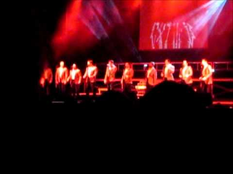 Straight No Chaser singing Tainted Love