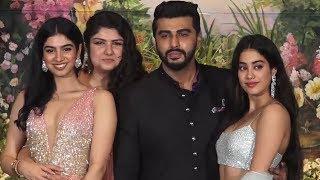 Video Arjun Kapoor Poses With His Sisters Jhanvi, Khushi, Anshula | Sonam Kapoor Wedding Reception MP3, 3GP, MP4, WEBM, AVI, FLV September 2018
