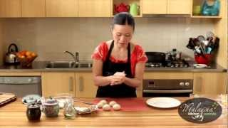 Video Poh Ling Yeow cooking Malaysian Nyonya Chicken Curry and Roti Canai MP3, 3GP, MP4, WEBM, AVI, FLV September 2018