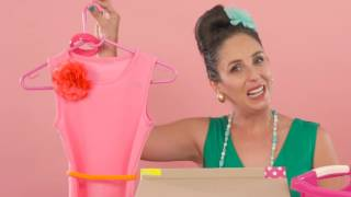 Suzelle DIY - Let Suzelle show you how to pledge and pack a Santa Shoebox