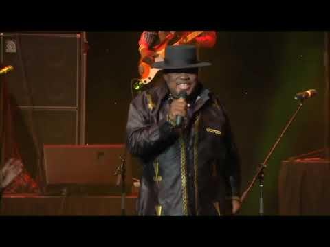 Video Kanda Bongo Man - Tika Kolela (Live At the Emperors) download in MP3, 3GP, MP4, WEBM, AVI, FLV January 2017