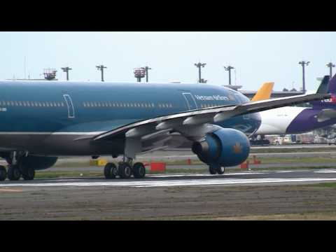 Vietnam Airlines Airbus A330-200 Take off at Narita R/W16R