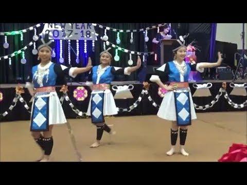 Appleton Hmong New Year 2017-2018 Pab ntxhais Nkauj Hmoob Duab Ntxoo (видео)