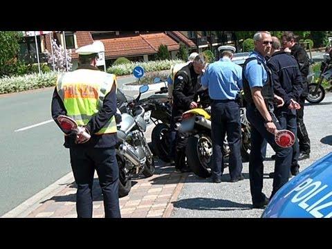 Motorradkontrollen am Diemelsee