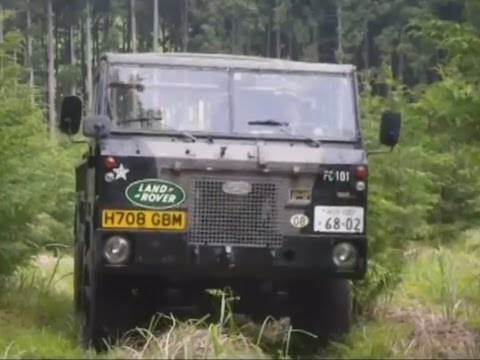 Land Rover 101 Forward Control - авто из фильма «Судья Дредд»