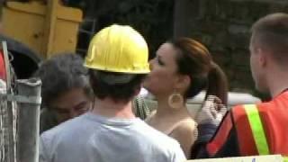 Video Eva Longoria & Teri Hatcher filming Desperate Housewives in Toluca Lake, CA MP3, 3GP, MP4, WEBM, AVI, FLV Mei 2019