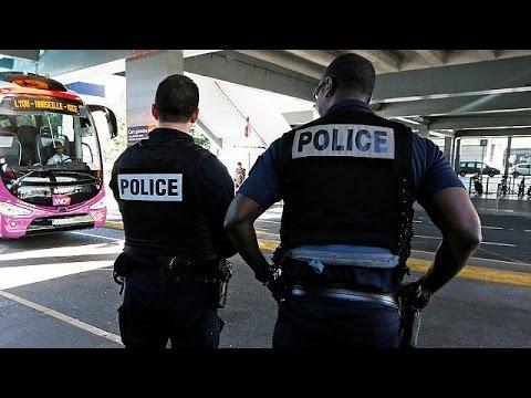 Γαλλία: Σε κατάσταση έκτακτης ανάγκης μέχρι τις αρχές του 2017