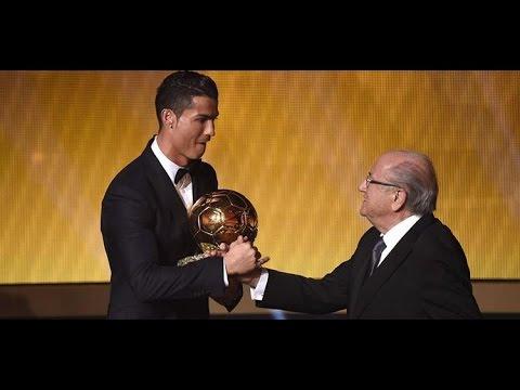 كرستيانو رونالدو يتوج بالكرة الذهبية للمرة الثالثة في تاريخه
