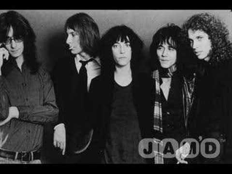 Patti Smith Group - Because the night 1978