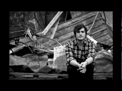 Tekst piosenki Hayden Calnin - Shutters po polsku