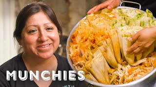 Video The Dollar Tamale Queen of New York - Street Food Icons MP3, 3GP, MP4, WEBM, AVI, FLV Juni 2019