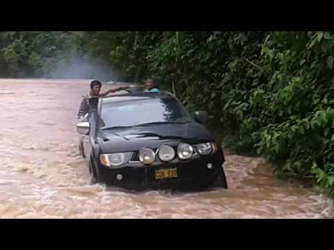 cruzando el rio Serjaly, Manu онлайн видео