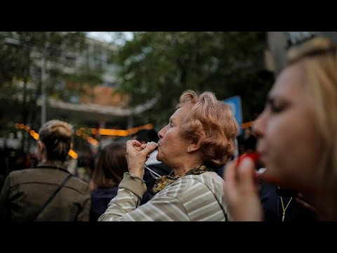 Serbien: Tausende demonstrieren erneut für Rücktritt  ...