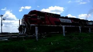 Que hay raza aquí les dejo un tren de Ferromex al sur en esta ocasión la locomotora líder fue una AC4400CW la 4511 y en múltiple venía otra AC4400CW la 4571 y remolcadas otra par de AC4400CW la 4506 y 4572 este tren lo grabe a la altura de la placa kilométrica # 409 de la Línea A del Distrito de León, en mi pueblo León, Guanajuato. México NOAS_5